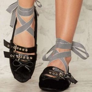 Shoes - 🆕Juliet Black Velvet Gingham Lace Up Ballet Flats